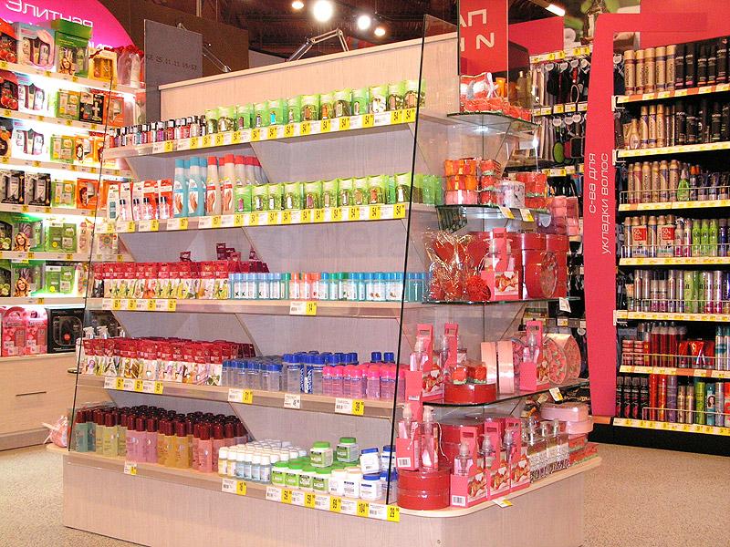 Розничные магазины одежды, обуви, косметики, парфюмерии