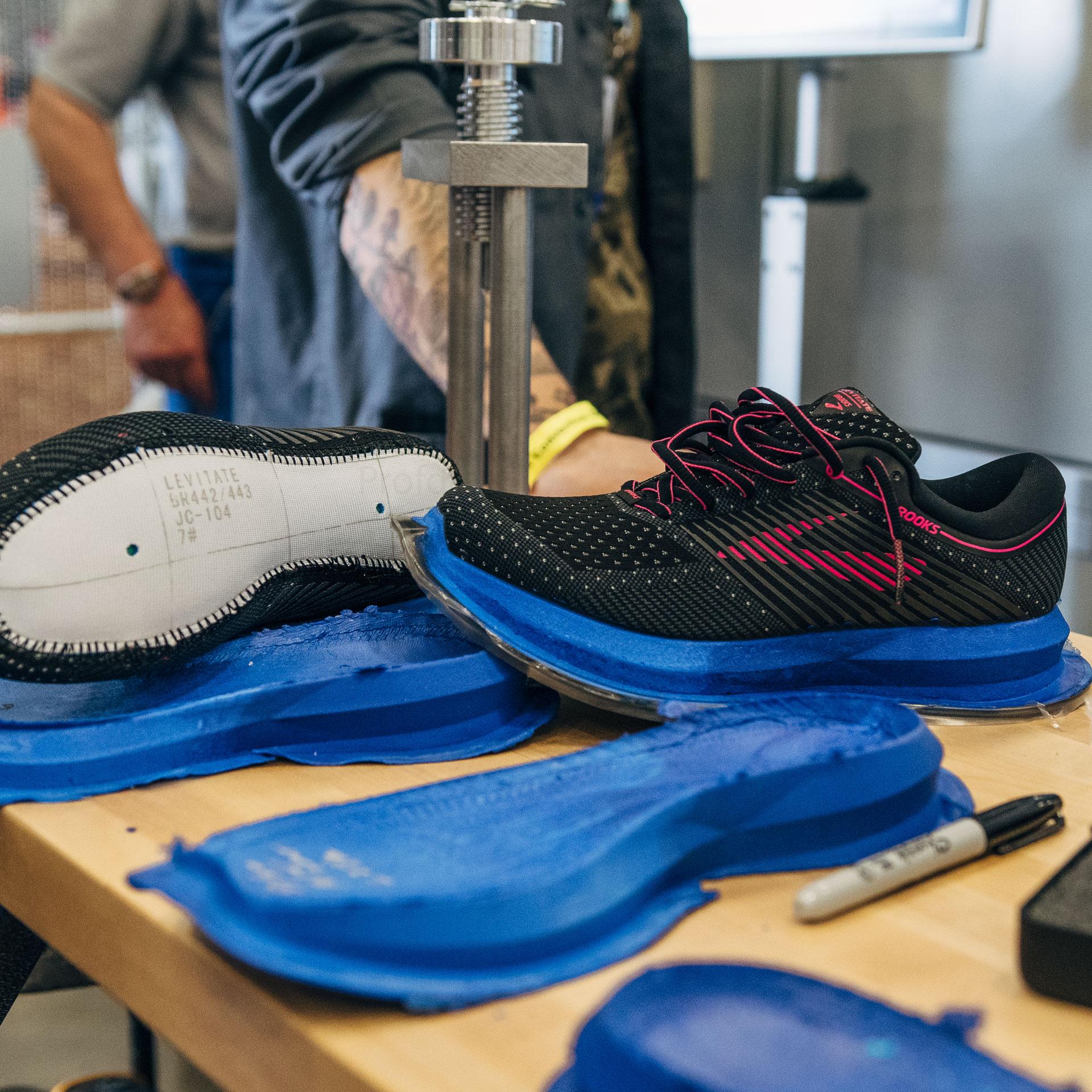 Производство спортивной обуви